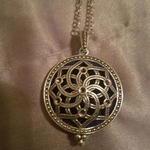 Jewelry - Essential oils diffuser necklace nwt